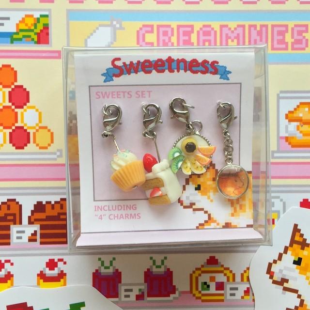 チャーム4点セット Sweetness  ケーキ&音栖さん柄