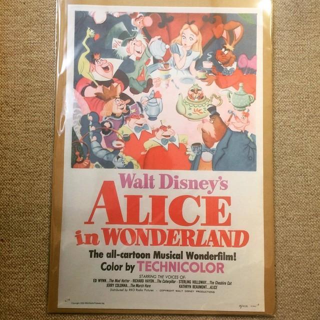 布 ポスター「不思議の国のアリス ふしぎの国のアリス ディズニー」 - メイン画像