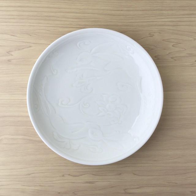 【有田焼】イズニックホワイト 丸盛皿【跳ね兎】