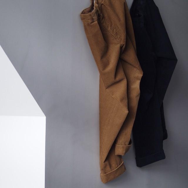 FUJITO / CORDUROY WIDE SLACKS[NAVY / BROWN]