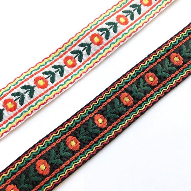 オレンジお花刺繍のチロリアンテープ