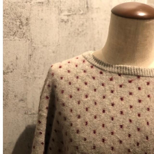Volume sleeve dot knit