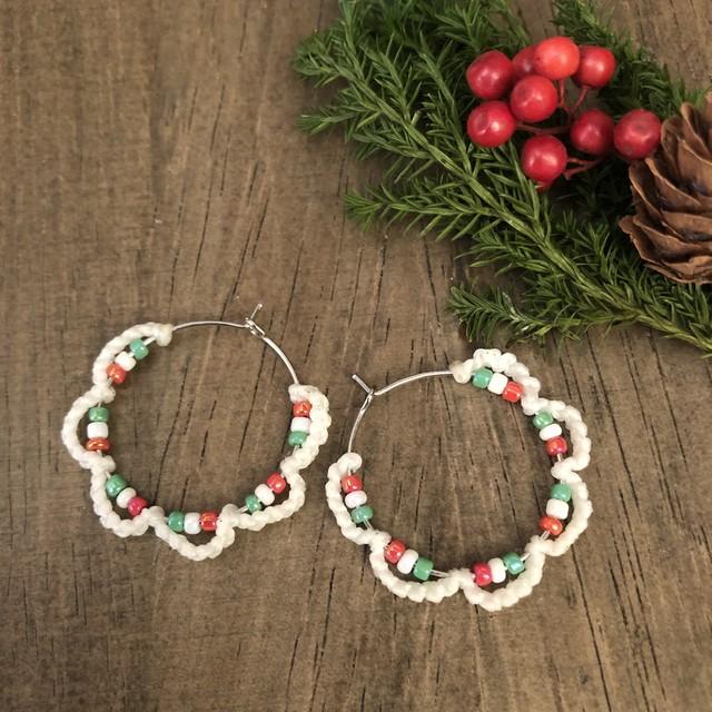 クリスマスリースマクラメピアス・ホワイト