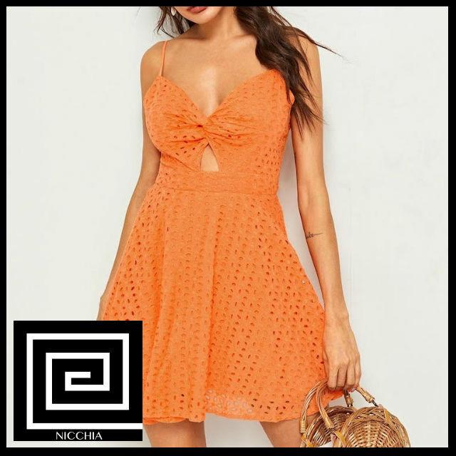 ネオンオレンジツイストフロントピーカブーシフィキャミドレス