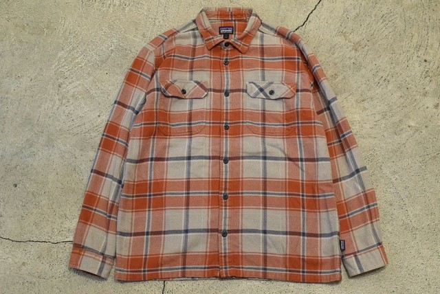 USED 10s patagonia Heavy Flannel Shirt -Large 0942