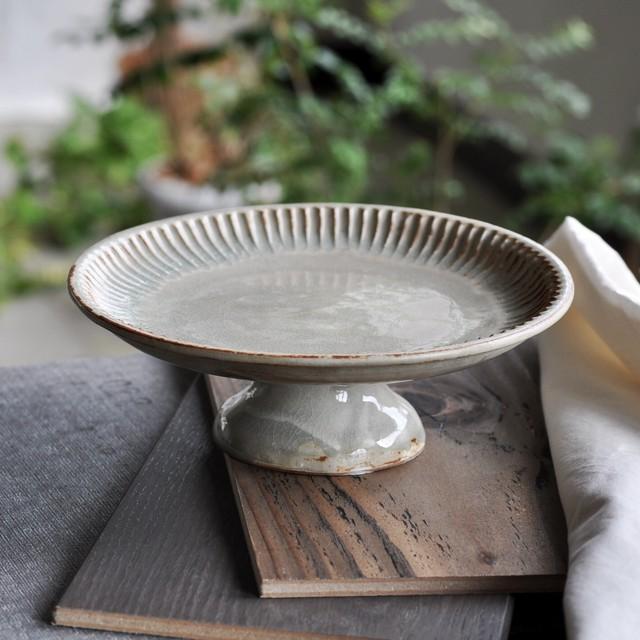 石渡磨美さん | コンポート皿M 灰粉引