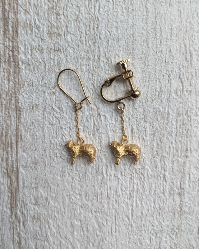 【草原とストーブ】羊-Gold- ~one piece~