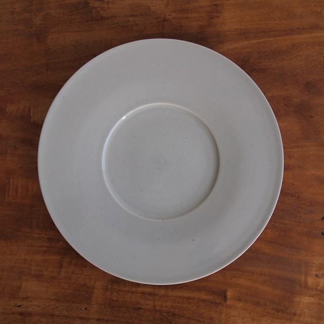 こいずみみゆき|8寸幅広リム皿 白