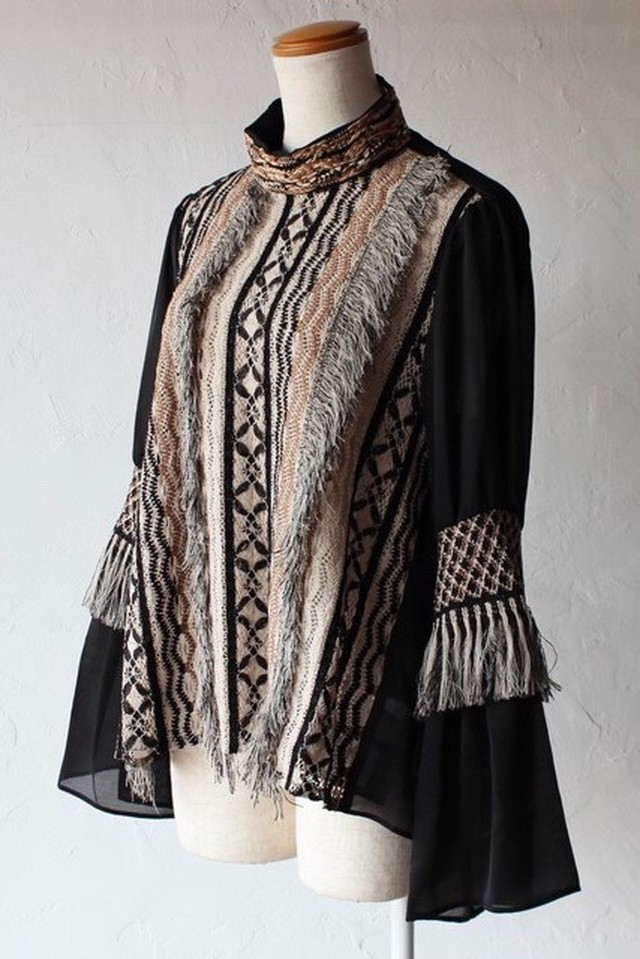 【EBONY】fringe lace blouse-beige×black