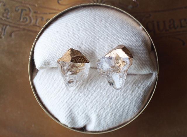 【一点物】原石のクォーツの金継ぎピアス