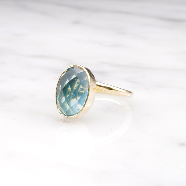 SINGLE OVAL STONE RING GOLD 008