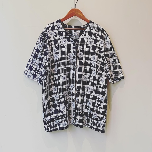 vintage design Vneck shirts