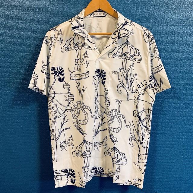 モノクロアミューズメントパークのアロハシャツ
