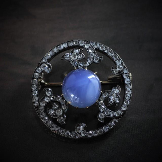 Star Sapphire & Diamond Brooch  スターサファイヤ & ダイヤモンド ブローチ