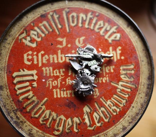 ドイツ チロルブローチ BOPPARD=RHIEN  山歩き 記念ブローチ 登山トレッキング