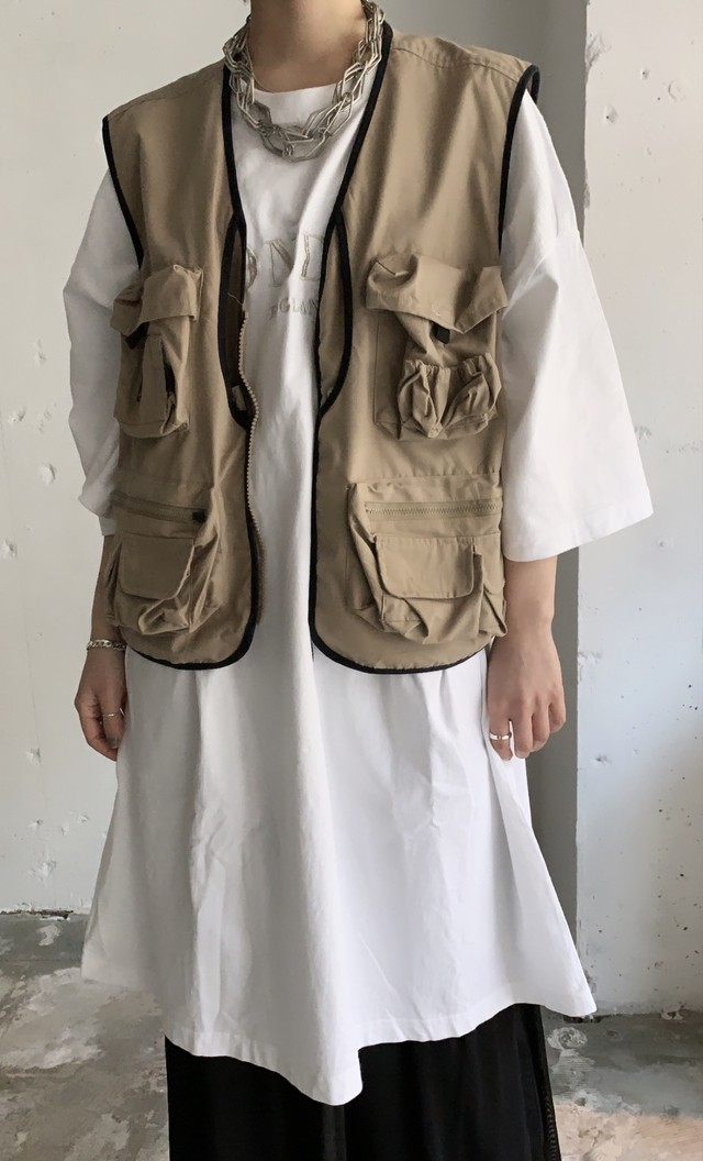 vintage fishing vest. / beige