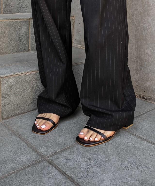 Mid heel square sandal