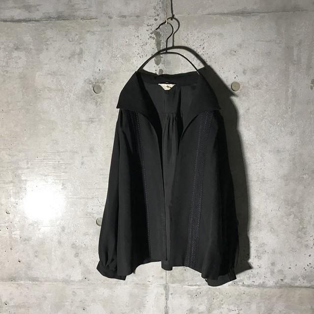 [used] black embroidery shirt jacket