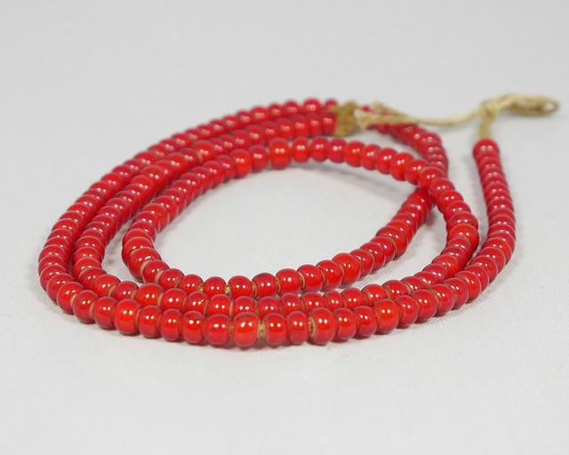 ホワイトハーツビーズ 赤色 丸4mm H0004RED02