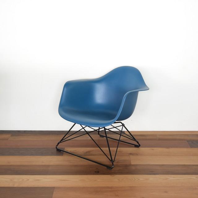 【Herman Miller】Eames Molded Plastic Armchair 展示仕様