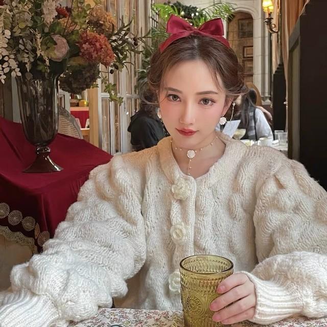 white flower knit cardigan