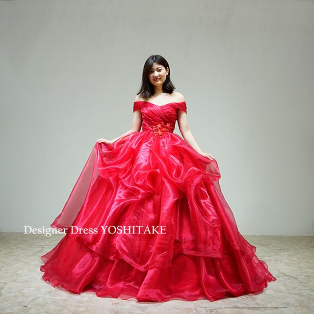 【オーダー制作】ウエディングドレス(パニエ無料) 赤オーガンジー上半身プリーツオフショルダーのふわふわスカート(パニエ付) 披露宴 ※制作期間3週間から6週間
