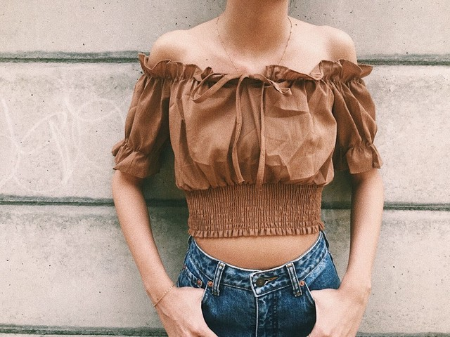 Cropped Off-Shoulder(Color)