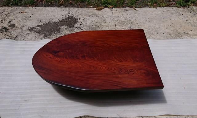 【送料無料】ケヤキ一枚板半楕円形ローテーブル・ダイニングテーブル 拭き漆仕上げ【一点もの】