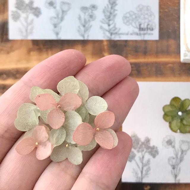 【終了】紫陽花(白)のイヤリング/ピアス