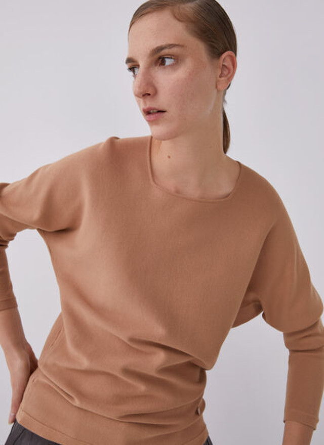 SWEATER WITH SQUARED CREW NECKLINE