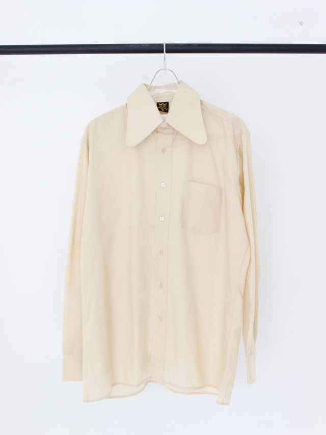 Used design collar shirt