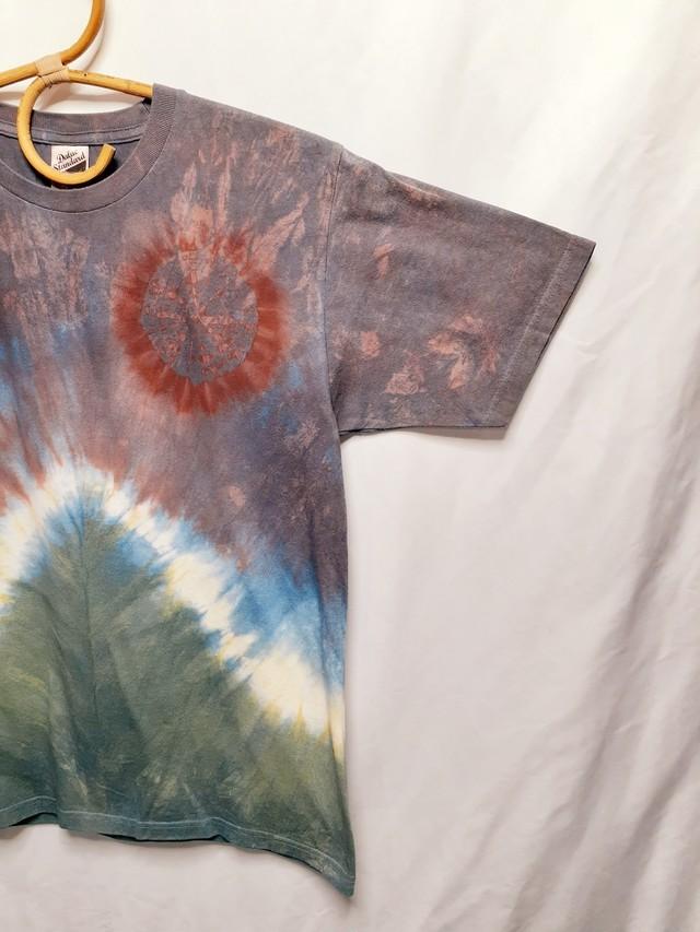 手染めのTシャツ(藍染・ベンガラ染め)