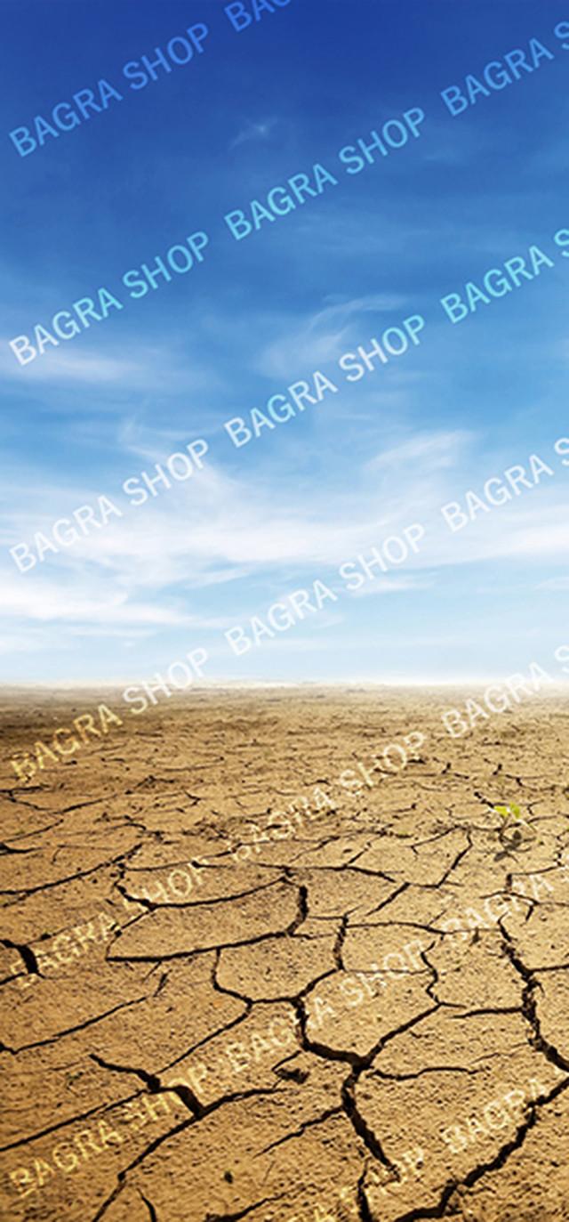 【背景紙】砂漠地割れと青空(スタンダードサイズ/15cmフィギュア向け)