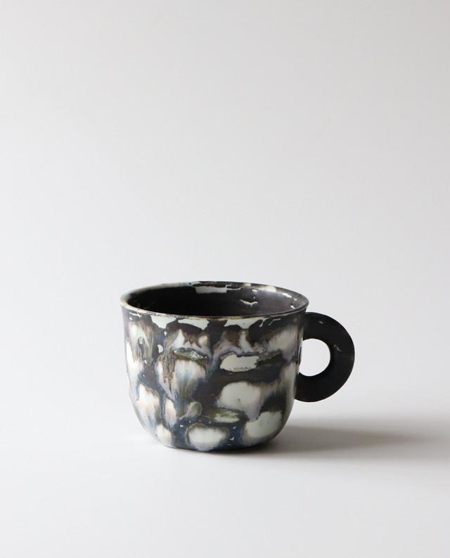 白と黒のコップ 食器