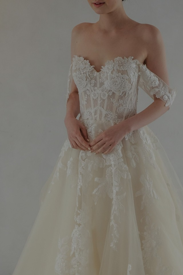 Wedding Dress/rental/A Line /DR2008