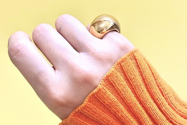 Vague pearl earrings gold