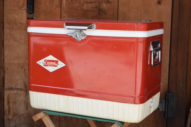 USED 60s Vintage Coleman Snow-Lite Cooler -red 01009