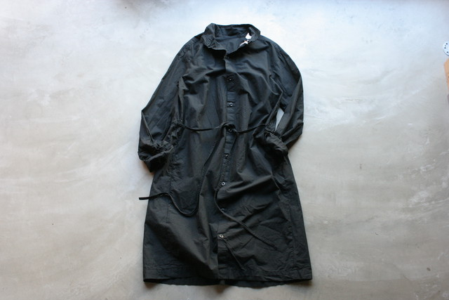 yarmo / BACK OPEN SMOCK DRESS