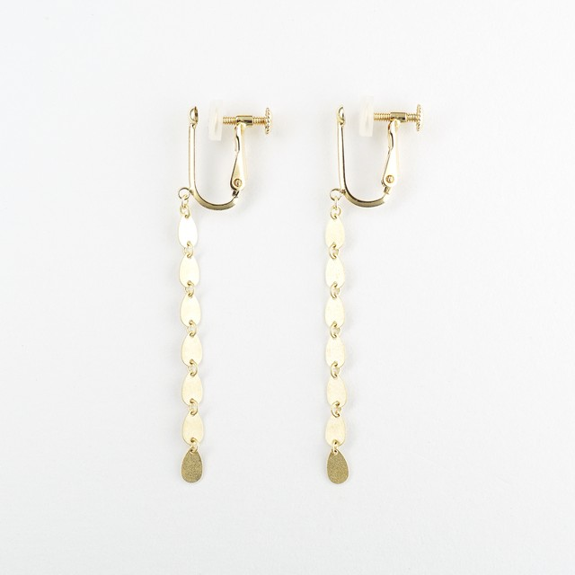 Gold drops flow earring