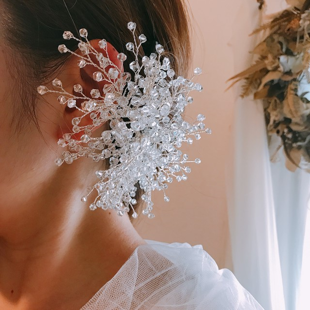 Bride's ear hook