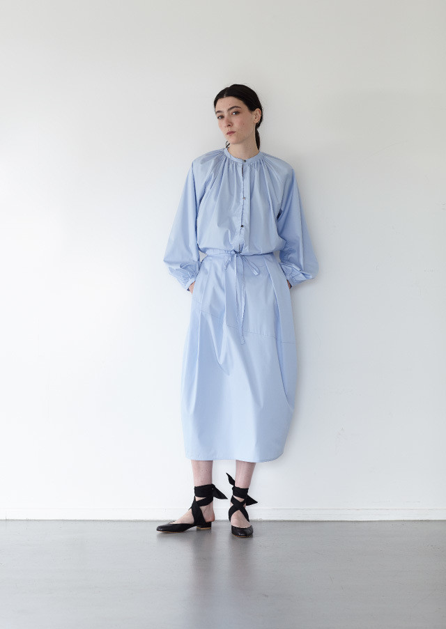 Broad gathered blouse