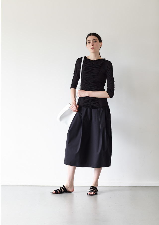 Broad cocoon skirt