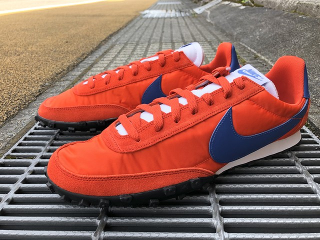 NIKE WAFFLE RACER (TEAM ORANGE/GAME ROYAL)