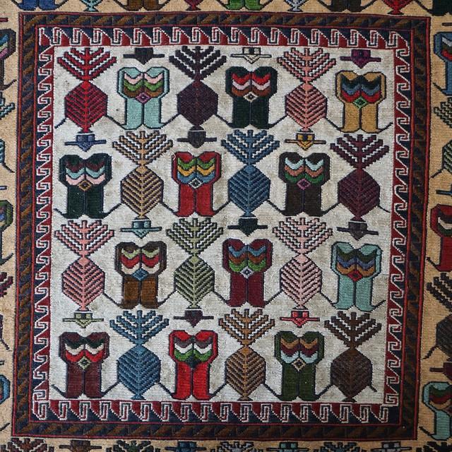 アフガニスタンの手織りの絨毯