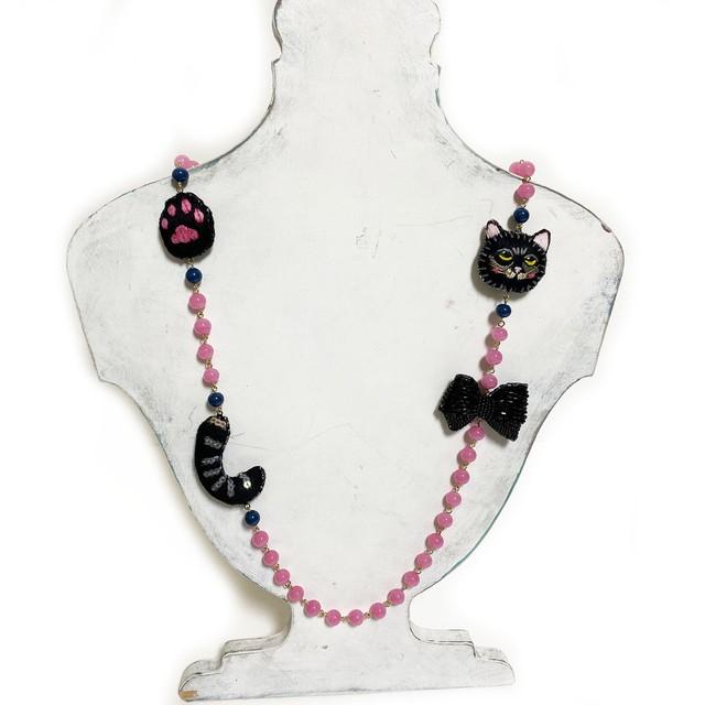 刺繍ネックレス黒猫と黒リボン