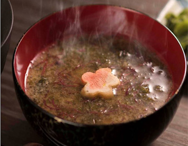 五種の海藻お味噌汁