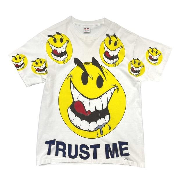 OLD&VINTAGE TRUST ME FREEZE 90s SMILE MULTI TEE WHITE ANVIL LARGE 7499