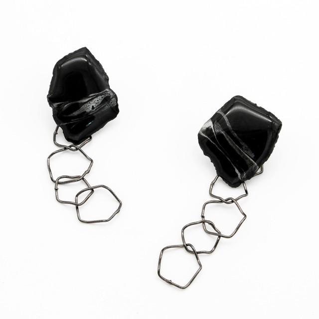 """""""カミノカタチ"""" Ceramic paper pierced earrings ◼︎Black"""