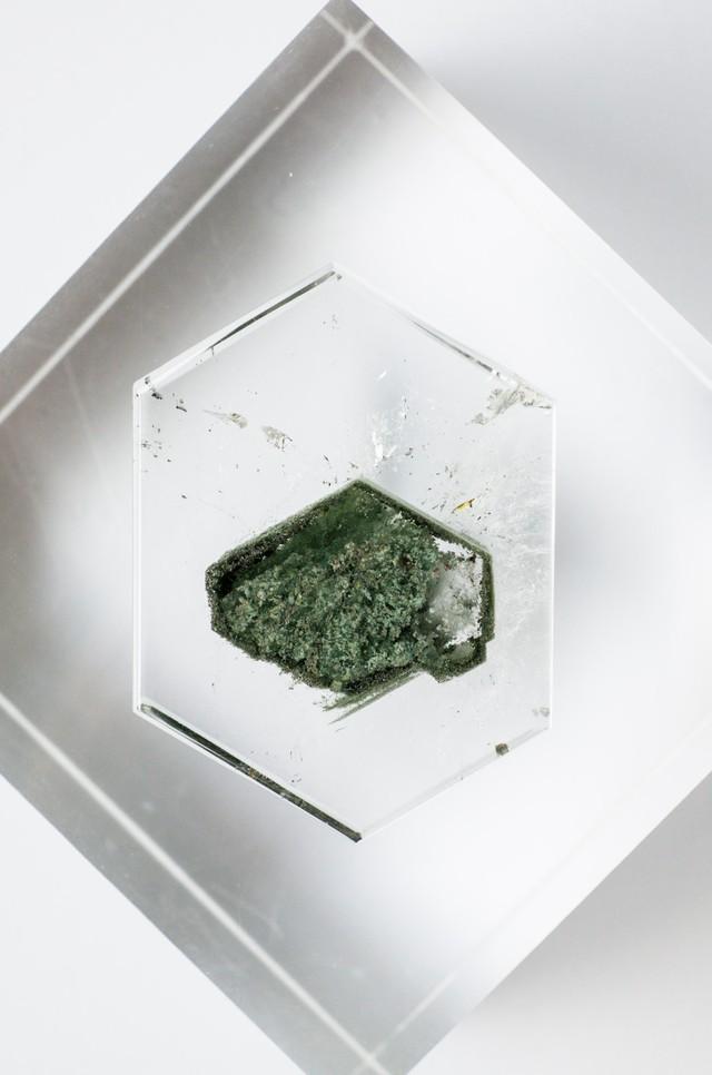 Chlorite in Hexagon Quartz - 007