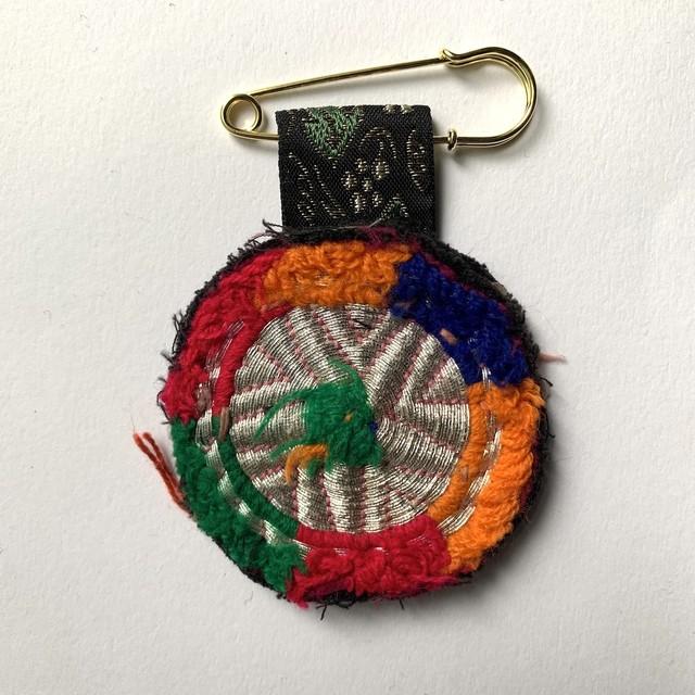 [Trophy] Hand Needle Brooch _15(ヴィンテージ ハンドメイド 刺繍ブローチ)